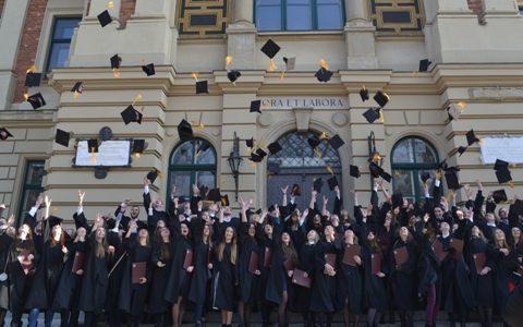 Od ponad 15 lat dbamy o to, aby ten dzień był dla absolwentów wyjątkowy